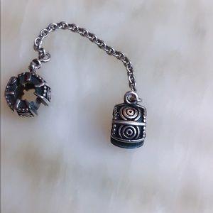 Pandora safety chain clips